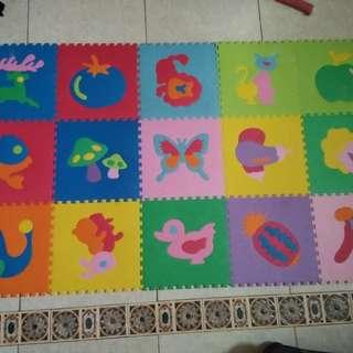 Karpet Puzzle (15 Buah)