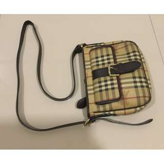 Burberry Sling bag Authentic NEGO