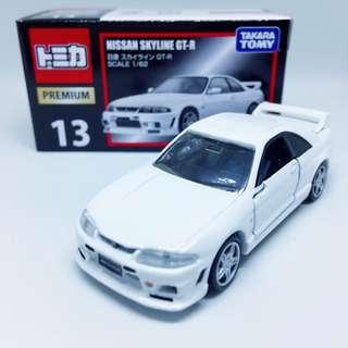 Takara Tomy Tomica 13 Nissan Skyline GTR