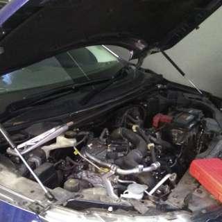Nissan qashqai j11 bonnet hydraulic gas strut