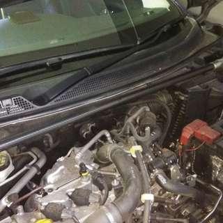 Nissan qashqai j11 carbon fiber strut bar.