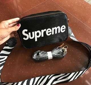 New, Supreme bag