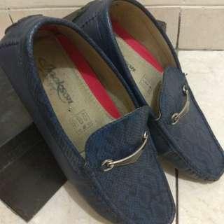Dijual sepatu casual merk jackson