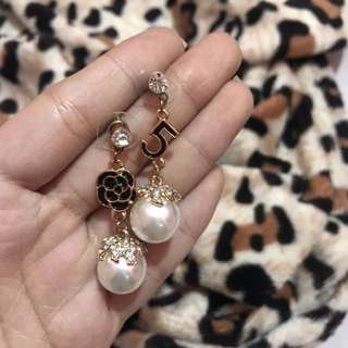 Chanel no. 5 earrings with pearl