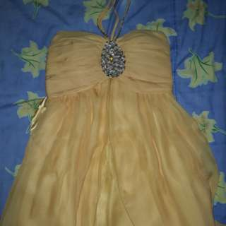 Dress yellow gold