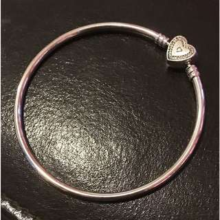 Limited Edition! Pandora Bangle ✨