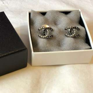 Chanel classic earrings 耳環