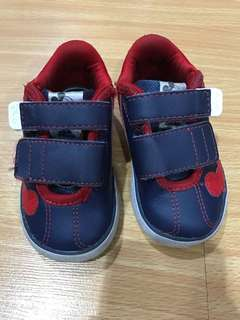 Addidas mickey shoes size 4K