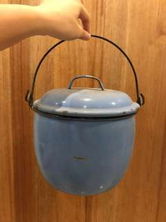 Antique enamel multicooker