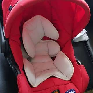 Chicco car seat / basket