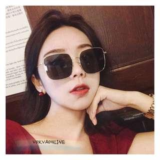 KIMFABY BOX sunglasses on pict 👓