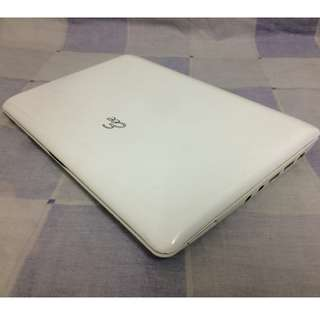 "netbook Asus color white 2gb memory 500.hdd 10.1""inches windows 8 model 1005HA good for student in office in work ready to use:"