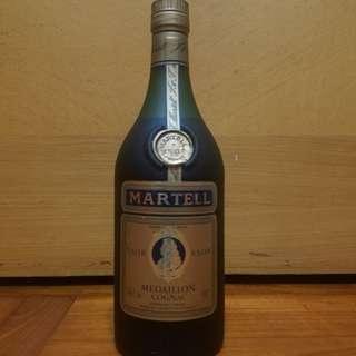 舊酒香港經典值得收藏70年代Martell聯合洋行馬爹利短頸沙樽金牌VSOP cognac 70CL