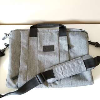 Targus Messenger Laptop Bag