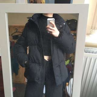 GAP BLACK PUFFA JACKET SIZE S