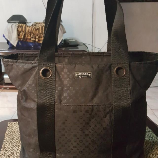 Repriced!airwalk bag.good as new!b4 700 now 500 nalang 2419574c2a
