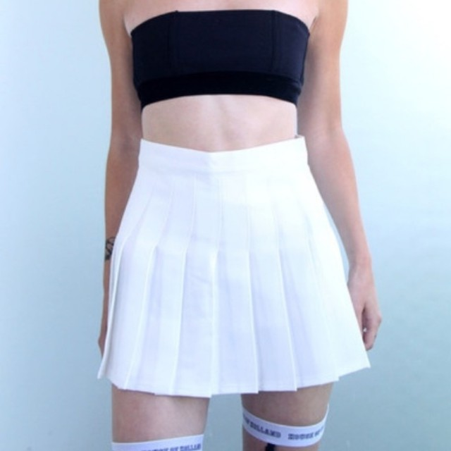 American Apparel Tennis Skirt in White - Size L 10