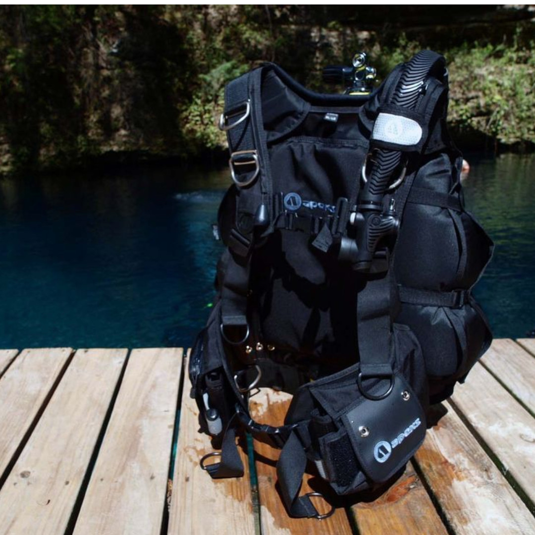 Apeks black ice bcd scuba diving sports other on carousell - Apex dive gear ...