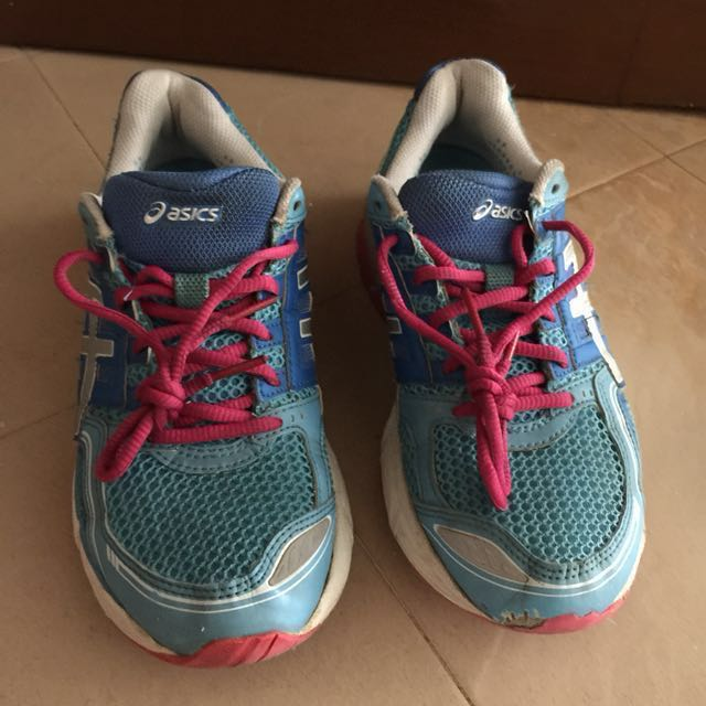 asics running shoes queensway