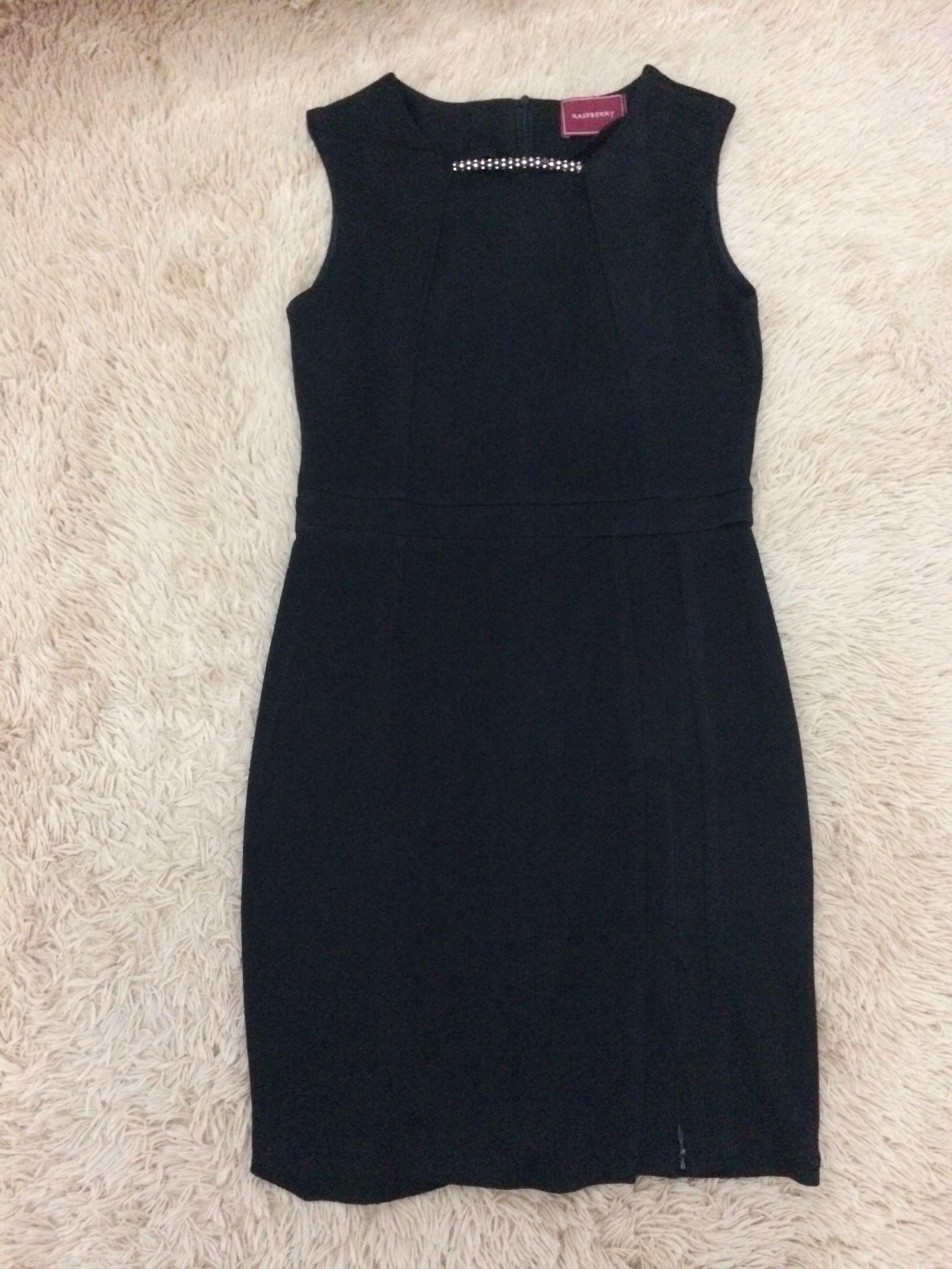 Black dress by raspberry