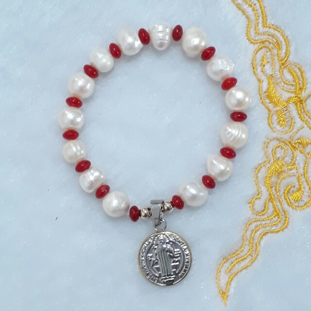 bracelet - fresh water pearl,  red coral with 10k gold & stainless medal