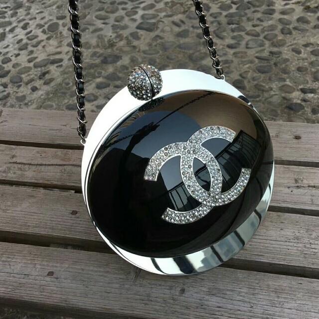 Chanel planet