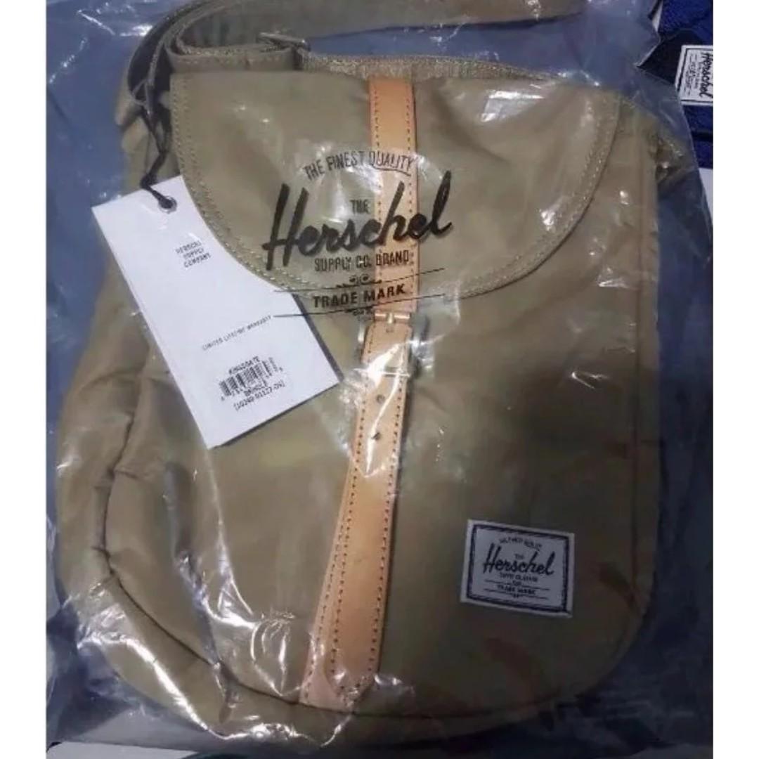 40506c690a9d CHEAPEST  Herschel Supply Co. Women s Kingsgate Crossbody Bag ...