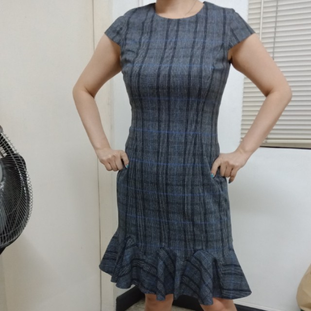 Checkered dress cut out label