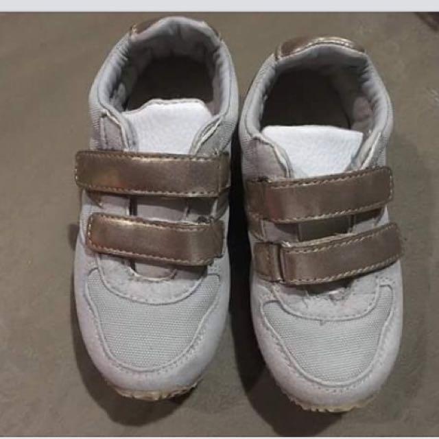 Cotton On Rubber shoes
