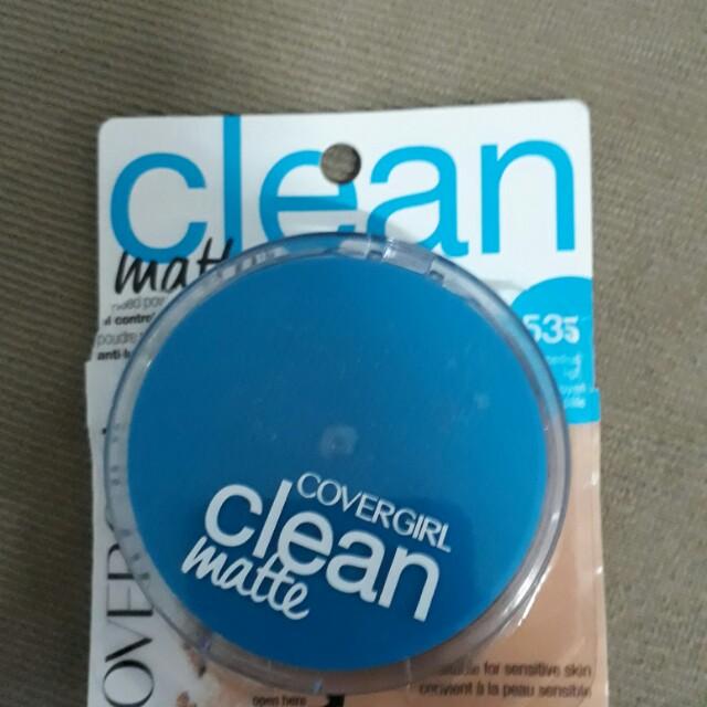 CoverGirl Clean Matte medium light