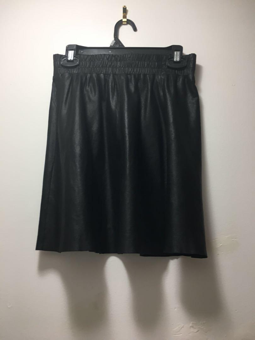 Danier 🔥 Leather Mini Skirt