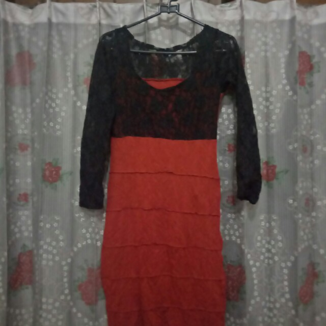 dress red furing hitam