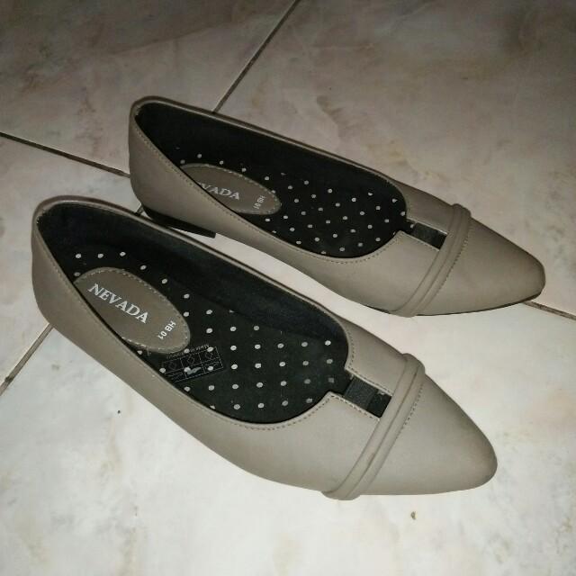 flatshoes grey