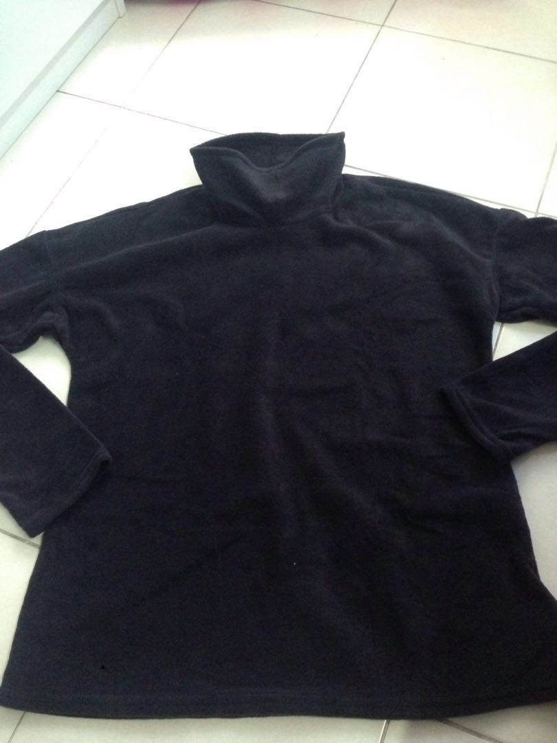 Fleece Black pullover top (L)