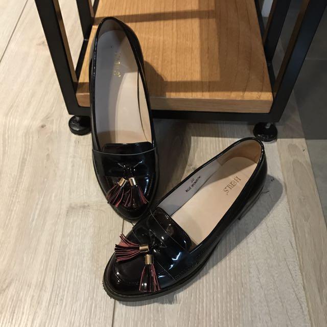 幾近全新⭐️正牌HERLS復古漆皮流蘇樂福鞋-酒紅