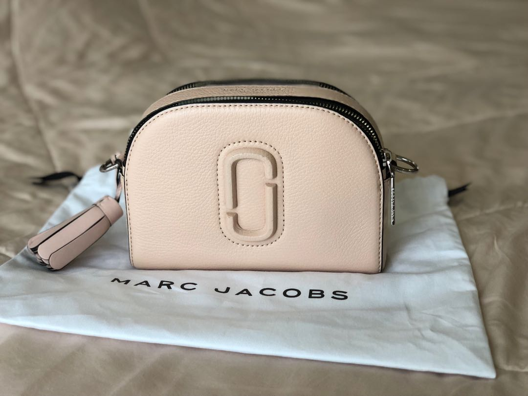 Marc Jacobs shutter bag in pale pink