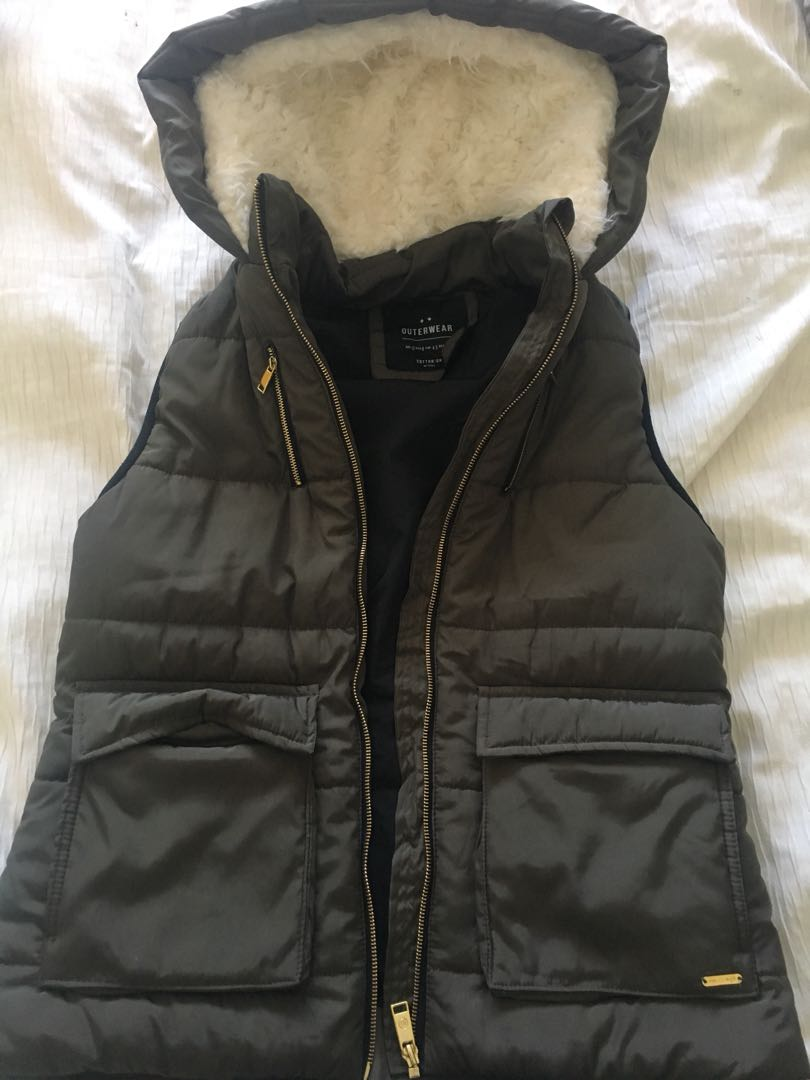 Navy green vest size 12 can fit size 8-10