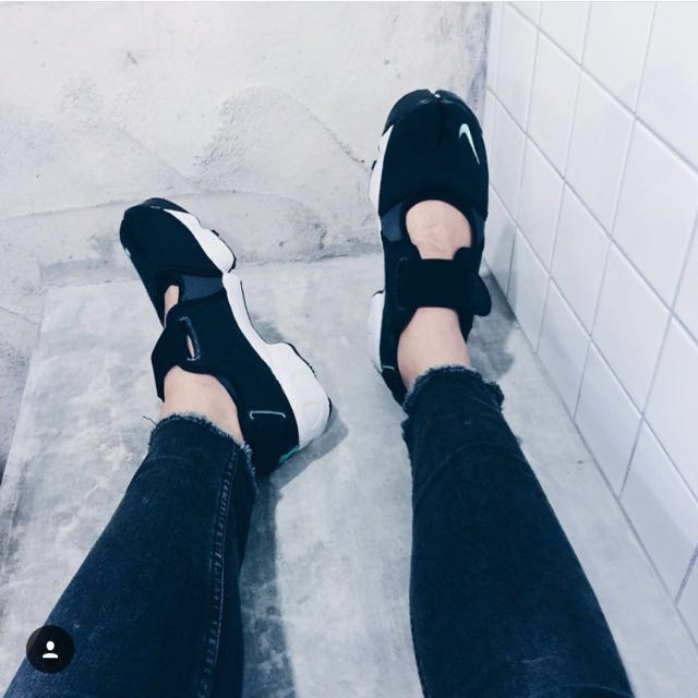 Nike Air Rift 黑色忍者鞋
