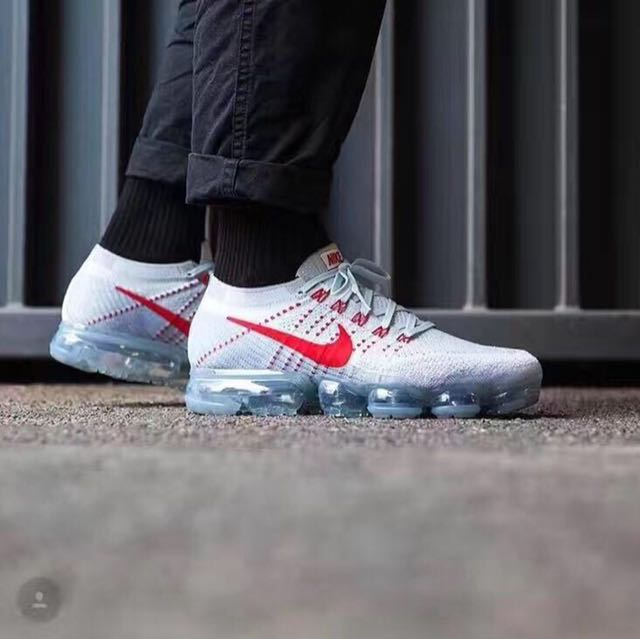 3e5726ee93b74 Nike Air Vapormax Flyknit OG  Pure Platinum University Red