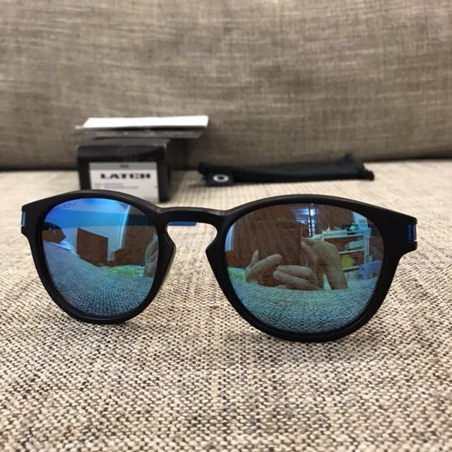 f8c9ec6386 Oakley™ LATCH (Sapphire Fade Prizm Sapphire Polarized)