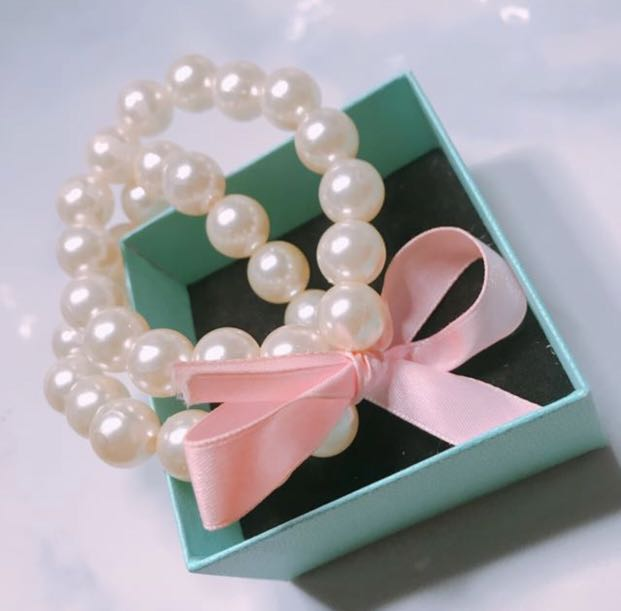 Pearl Bracelet with Pink Bow 🎀