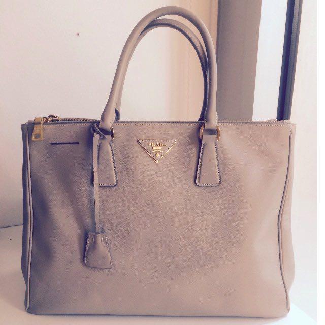 Prada Saffiano Lux Galleria Shoulder Bag 30cm Preowned f6ba7b5c7e358