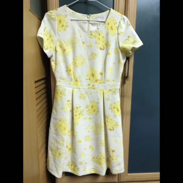 Proportion米白黃花短袖洋裝