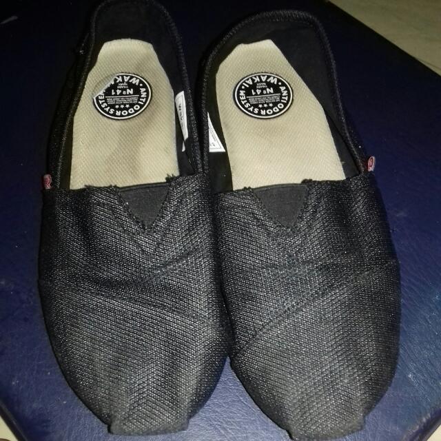 Sepatu Wakai Original Size 41 Full Black