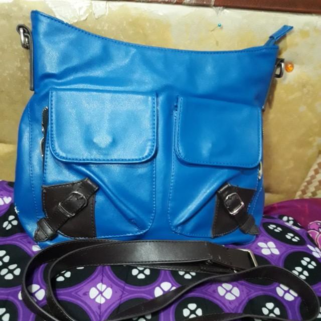 Sling bag Elizabeth asli warna biru elektrik