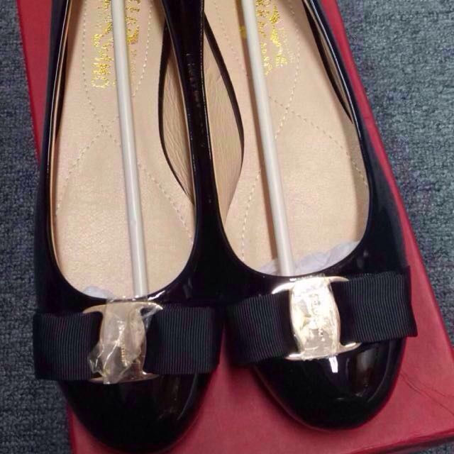 TURUN HARGA!! 500rb ajaa!! SALE! Salvatore ferragamo flat shoes