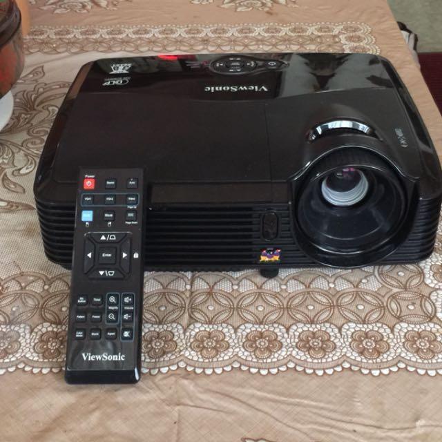 出售少用極新的ViewSonic PJD5133 投影機