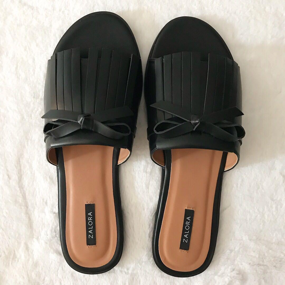 Zalora Fringed Sliders Black (EUR 41)