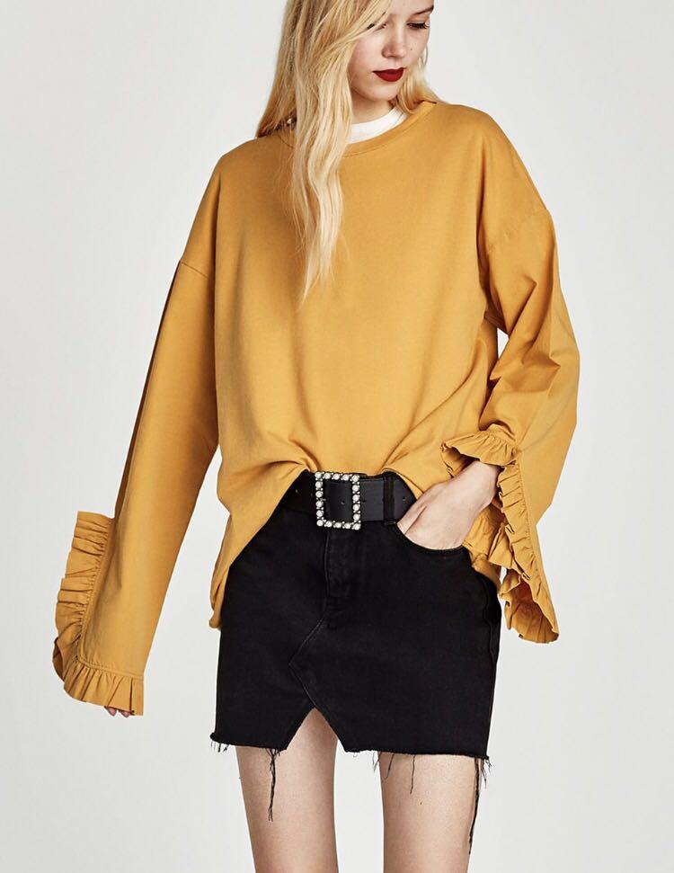 Zara - BLACK - top with frill sleeve - Size Medium