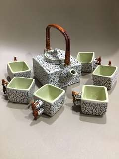 Unique tea cup set